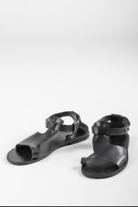 Aleksandr Manamis 1141008 Stud Closure Leather Sandals