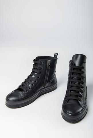 Ann Demeulemeester Classic Leather Sneakers (Vitello Olio Nero)