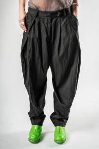Un-Namable Pleated Loose Trousers