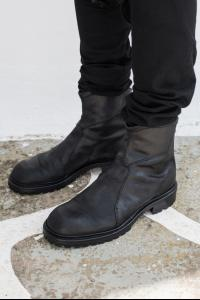 Julius_7 497FWM1-S Reversed + Full Grain Leather Back-zip Tank Boots