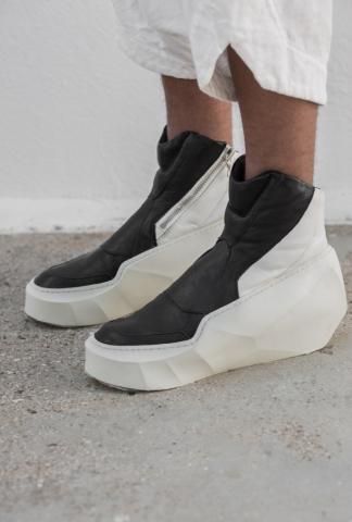 Julius_7 Boots space