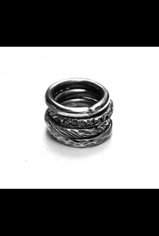 Chin Teo Transmission 4mm, black diamonds rings se