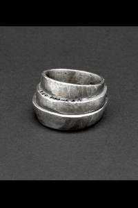 Tobias Wistissen Piled stones ring
