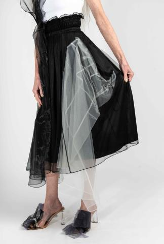 Quetsche skirt with hidden elements