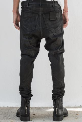 JULIUS_7 Coated jean