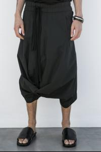 Julius_7 537PAM36 Draped Low-crotch Shorts