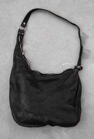 Guidi SZ01 BLKT Large asymmetric zipped bag