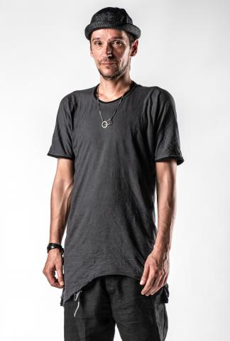 Layer-0 Elongated Asymmetric Distressed T-shirt