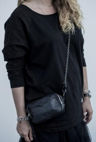 SCUNZANI Black leather bag with mat-chain and croc