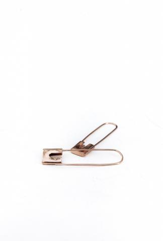 AMY GLENN SAFETY PING EARRINGS  rose gold