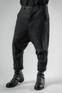 Individual Sentiments Knee Pleat Cropped Trousers