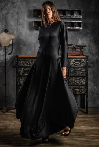 AtelierSeptem Flat Amphora Long Silk Dress