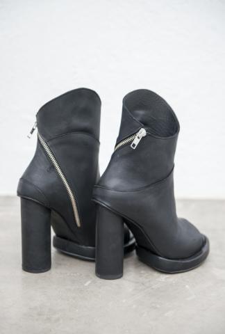 Goran Horal H33 Full Grain Scarred Antelope Leather Asymmetric Open Toe Heels