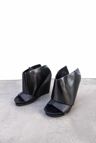 PETER NON Arco, 11cm wedge sandal, glossy polished