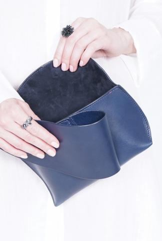 VENCZEL REIERA - CURVED MEDIUM CLUTCH