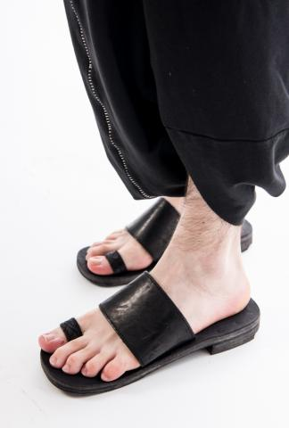 IERIB LEATHER SANDALS